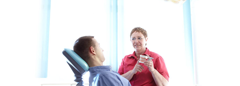 zahnarztpraxis-sabine-mueller-behandlung